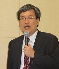 山崎毅理事長