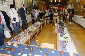 西野商店の旧工場で開催された「お茶のまざぁ展」