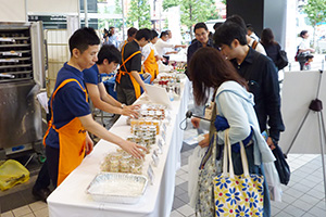 1万人以上が来場した「防災の日缶詰・びん詰・レトルト食品フェスティバル」