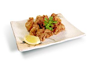 牛・豚価格の高騰でスーパーや外食でも鶏肉需要が増えている。中でも「唐揚げ」は欠かせないメニューであり、唐揚げの打ち粉である片栗粉にも影響がないわけではない(写真提供=川光商事)