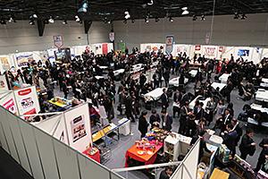 小売・流通・卸などのほか資材・香料メーカーを含め約1000人が来場し大盛況