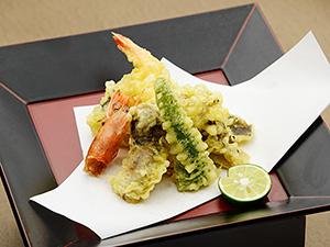 優れた風味や食感継続などで高級天ぷら店などでも活用されている