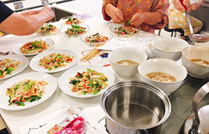 堺市で開催された料理教室。野菜たっぷりでカラフルに