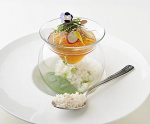 レストラン部門最優秀賞の「食べる冷製スープカルローズ 冷汁のイメージで…」