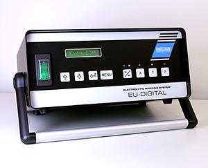 デモンストレーションを行うオストリングマーキングシステム「EU300デジタル」