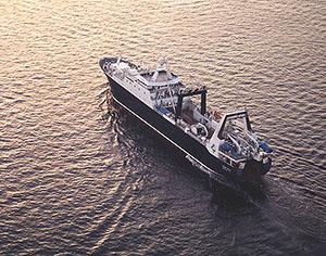 米国最大のすり身工船であるアラスカ・オーシャン号