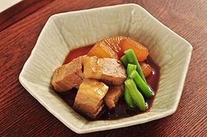 「Boiled Meat 豚バラ肉の下煮」使用メニュー