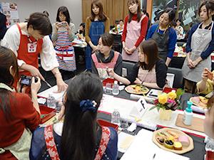 全国3ヵ所でのおせち料理体験には計90人弱が参加した(写真は東京会場)