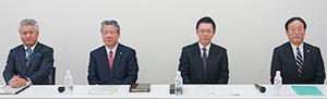 右から金子義史社長、池田泰弘社長、大谷邦夫社長、松田浩社長