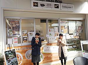 左からフードサービス事業部の安田有希さん、和田怜佳さん