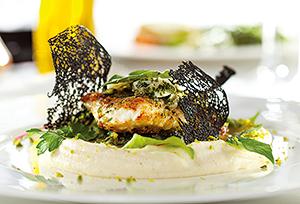 フランスで作られた料理をCASで冷凍、日本で解凍し盛り付ければ本場の味が楽しめる