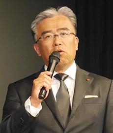 計画発表する城戸善浩社長、投資向けの財務強化も掲げた