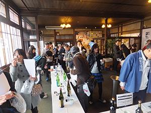 利き酒などの日本酒イベントは各地で盛況