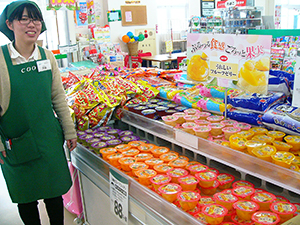 斉藤さんが考えた売場。POPも見やすく、手に取りやすい