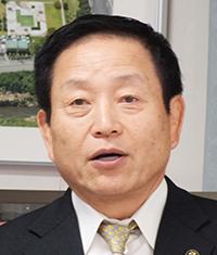 中村隆象古賀市長