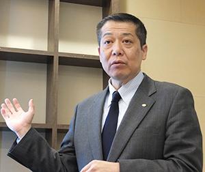17年度方針はESの向上でお客さま満足度を高めると語る佐々木徳久社長