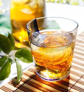 麦茶は子どもから高齢者まで安心して飲める「天然飲料」(写真提供=はくばく)
