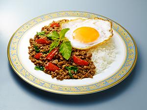 「ガパオ500」で調理したガパオご飯
