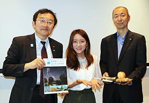 左から熊谷晃長野県観光部長、生田佳那、小山浩一信州首都圏総合活動拠点所長