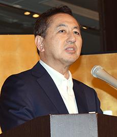 決意を述べる中野義久社長