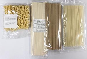 このほど開発した水溶性食物繊維含有乾麺(左からフライ麺、そうめん、そば、ビーフン)