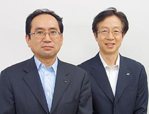 齊藤秀雄工場長(左)と天野秀隆部長