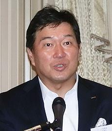 牛膓栄一ロッテ商事代表取締役
