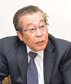 飯嶋 康雄 代表取締役専務 営業本部長