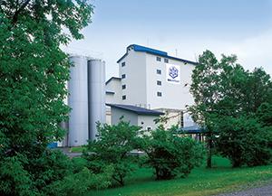 現在の乳製品製造主力「磯分内工場」