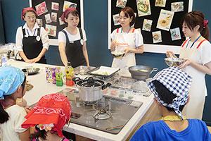 「魔法の天ぷら粉」で天ぷら作りを伝授
