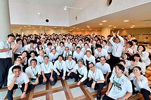 二本松訓練所では、青年とシニアが共同生活を送り、互いを高め合う