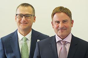スティーブ・キャンポス共同経営者(右)と クレッグ・デュアー氏