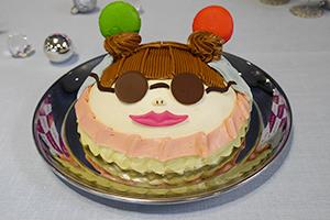SNS映えを狙った「渡辺直美プロデュースNAOMI'Sフェイスケーキ」