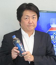 「熟成烏龍茶つむぎ」と河井一慶ディレクター