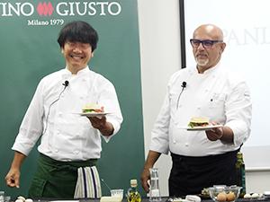 「WASA―MI」を披露するクラウディオ・サドレル氏(右)と笹島保弘氏
