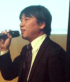 日本酒文化講演会であいさつする筆者