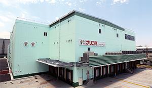 JR小田急小田原線伊勢原駅より車で10 分ほどの場所にあるナリコマフード関東セントラルキッチン