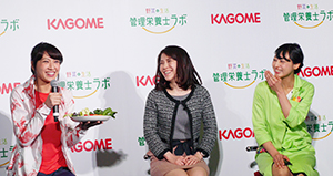 「健康と野菜」セミナー、浅尾美和(左)は「今肌が白いのは家庭菜園のトマト由来」とコメントした