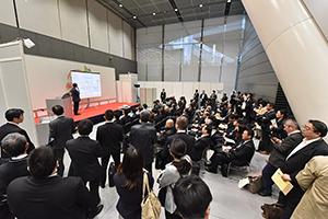 満席、立ち見の人気セミナー(写真は昨年の商談会から)
