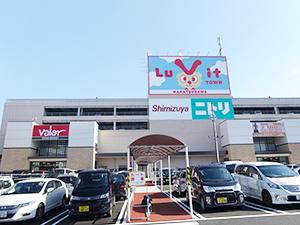 ココカラファインと業務提携したバローHDの大型商業施設「ルビットタウン中津川」(岐阜県中津川市)