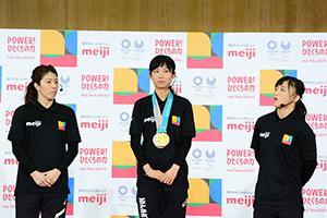 左から吉田沙保里選手、高木美帆選手、登坂絵莉選手