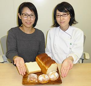 (写真左から)開発部門・価値づくり市場開発室の原田江里子リーダー、尾首順子氏