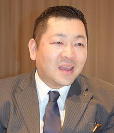 宴会料飲サービス支配人小須賀隆氏