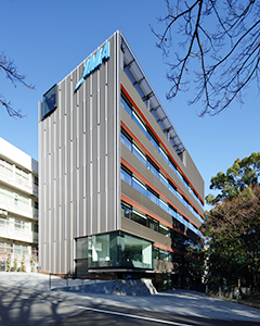 内装、外観を日本的繊細な美しさを表すデザインにした新オフィス
