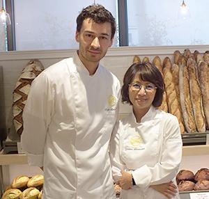 石川芳美社長(右)とロドルフ・ランドゥメンヌ氏