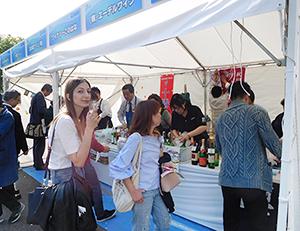 全国各地の日本ワインをアピールした
