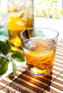 麦茶は混ぜものが一切ない「天然の機能性飲料」(写真提供=はくばく)