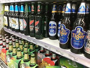 バンコクの小売店ではさまざまなビールが発売されている