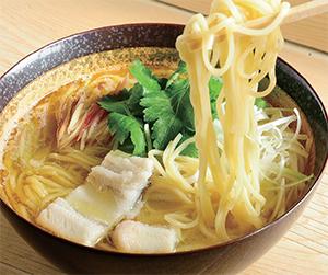 ランチタイムと塩麺専門店営業日のみ提供される「寿司屋の塩麺」(1,000円・税込み)