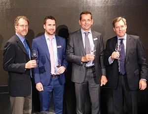 22日のセミナー・試飲会では、ティム・ペック社長(右端)と各ブランドの最高醸造責任者3人が登壇した